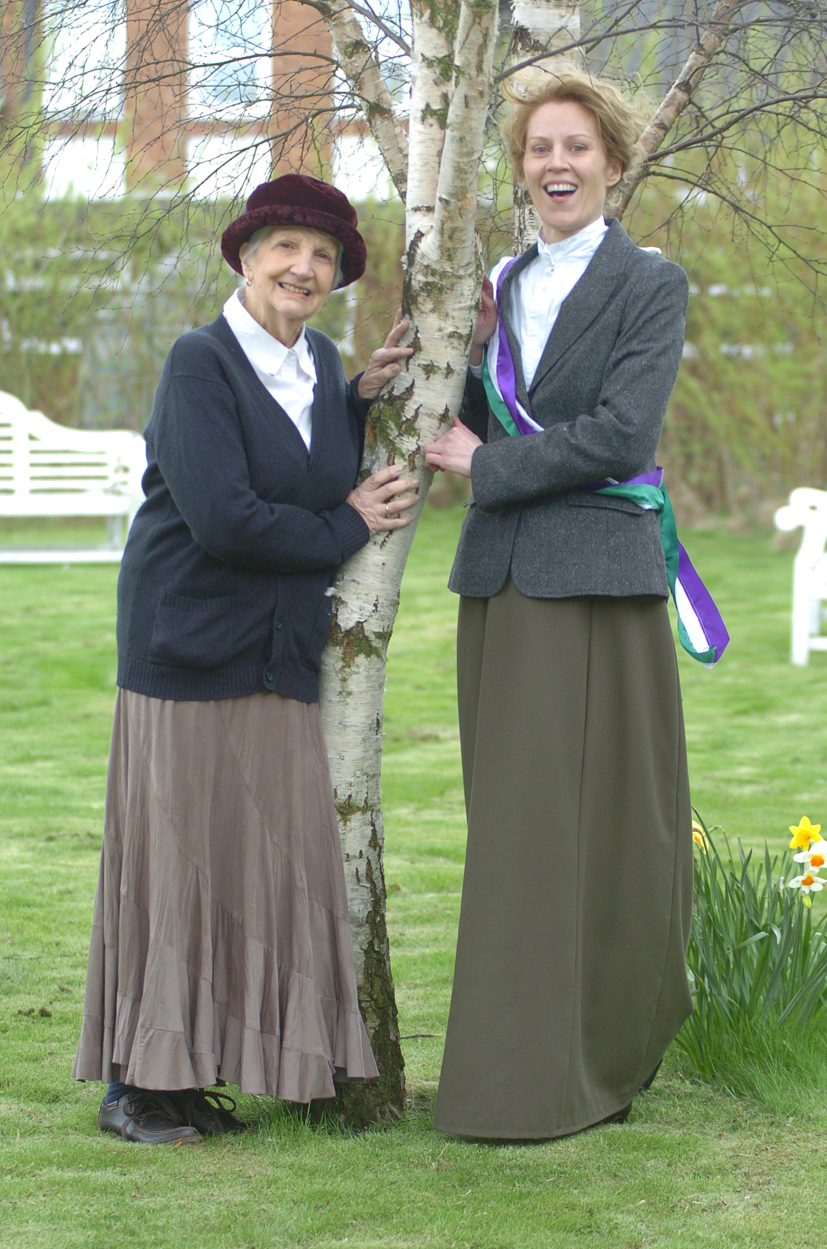 Kay Renner (Margaret Davison) Kate Willoughby (Emily Davison)_photo_Peter McCartney_Morpeth Herald 2013